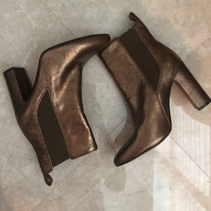 Vince Camuto bronze booties size 6